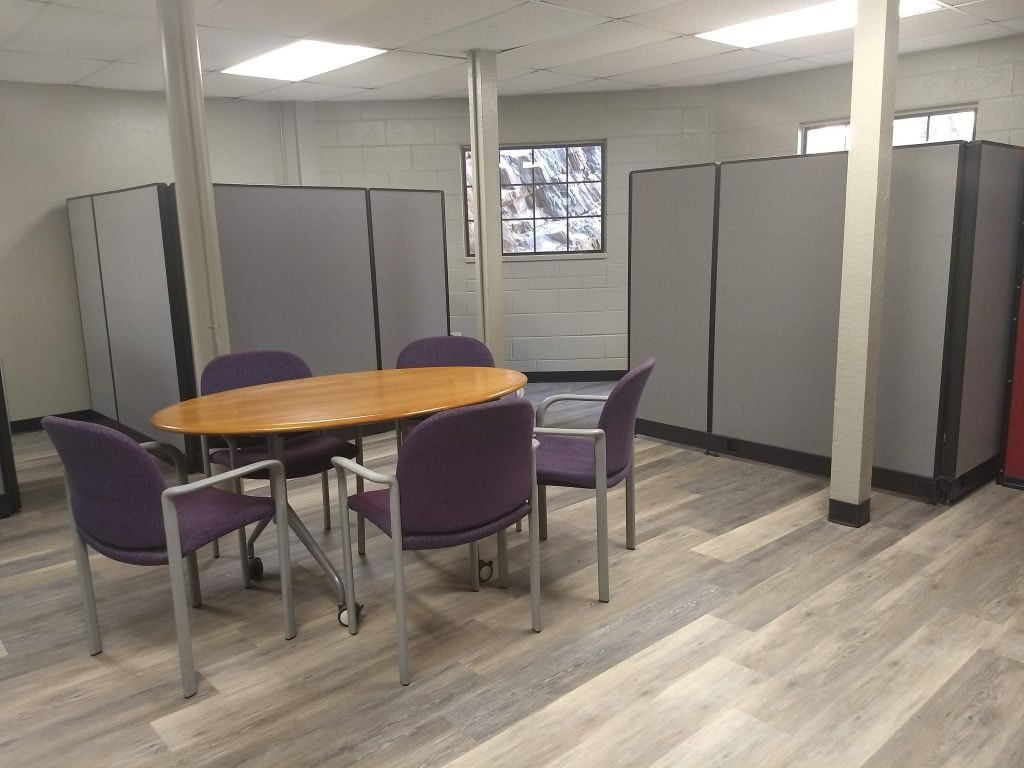 APEX - Workstations & group space